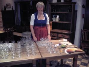 Die BierVersteherin Barbara Teichmann aus Wasserburg im Duftbräu bei einer Bierverkostung